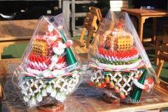 El arroz que ofrece para las reliquias knighting del desfile del Buda Imágenes de archivo libres de regalías