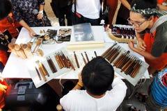El artista de Japón tallaba la madera Imágenes de archivo libres de regalías