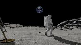 El astronauta descubre una nave extranjera en la luna Concepto de la teor?a de conspiraci?n almacen de metraje de vídeo