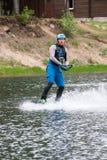 el atleta entra para wakeboarding el 28 de mayo de 2016 Fotografía de archivo libre de regalías