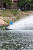 el atleta entra para wakeboarding el 28 de mayo de 2016 Foto de archivo libre de regalías