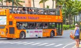 El autobús de carretilla de Waikiki imágenes de archivo libres de regalías