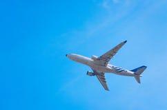 El avión de Vietnam Airlines saca Fotografía de archivo