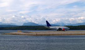 El avión está listo para sacar Imagen de archivo libre de regalías