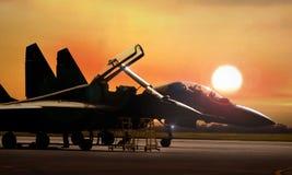 El avión de combate en espera alista para sacar Fotos de archivo libres de regalías