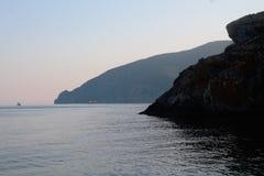 El Ayu-Dag, montaña del oso, Crimea, negro ve Fotos de archivo libres de regalías