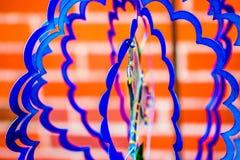 El azul agita para el viento en la construcción del hilandero de A Imagenes de archivo