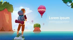 El Backpacker del hombre disfruta de la visión en viajero del lago mountains en concepto de las vacaciones de la aventura del ver libre illustration