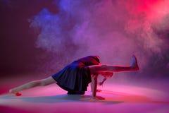 El bailarín de ballet moderno adolescente Imagen de archivo libre de regalías