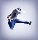 El bailarín impresionante está saltando Foto de archivo libre de regalías