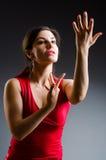 El baile de la mujer baila en vestido rojo fotos de archivo libres de regalías