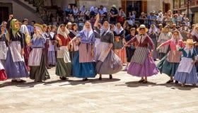 El baile en amarra y el festival de los cristianos - fiesta de Moros y Cristianos, Soller, Mallorca Foto de archivo libre de regalías