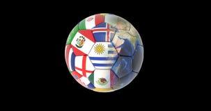 El balón de fútbol y los continentes del planeta conectan a tierra la rotación en un fondo negro mapas y texturas proporcionados  ilustración del vector