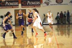 El baloncesto de las mujeres del NCAA DIV III de la universidad Foto de archivo