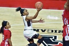2015 el baloncesto de las mujeres del NCAA - templo contra el estado de Delaware Fotografía de archivo