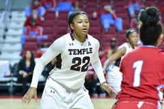2015 el baloncesto de las mujeres del NCAA - templo contra el estado de Delaware Foto de archivo libre de regalías