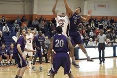 El baloncesto de los hombres del NCAA Foto de archivo libre de regalías