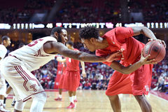 2015 el baloncesto de los hombres del NCAA - Templo-Houston Imágenes de archivo libres de regalías