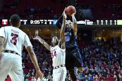 2015 el baloncesto de los hombres del NCAA - Templo-Tulsa Fotografía de archivo libre de regalías