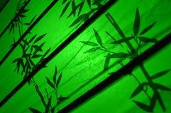 El bambú japonés verde sale de adorno Imagenes de archivo