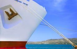 El barco de cruceros del cabo amarró en el puerto de Chania, Creta Imagen de archivo