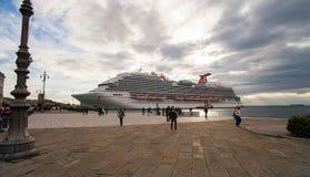 El barco de cruceros más nuevo del carnaval Imágenes de archivo libres de regalías