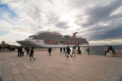 El barco de cruceros más nuevo del carnaval Fotografía de archivo