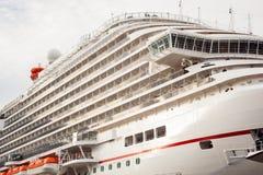 El barco de cruceros más nuevo del carnaval Foto de archivo