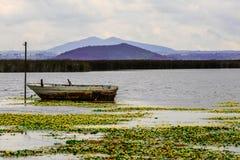 El barco de pesca imagen de archivo