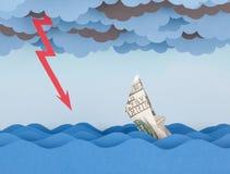 El barco del dólar se está hundiendo en el mar de papel Imágenes de archivo libres de regalías