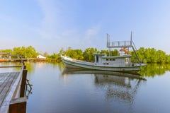 El barco en el agua imágenes de archivo libres de regalías