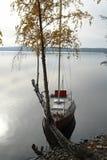 El barco en el lago Fotografía de archivo