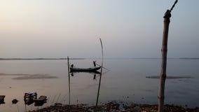 El barco en el río Godavari Imagen de archivo libre de regalías