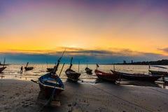 El barco en puesta del sol Fotografía de archivo libre de regalías