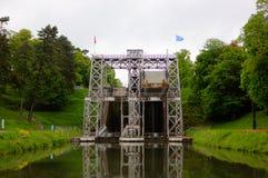 El barco levanta a Canal du Centre Imágenes de archivo libres de regalías