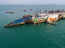 El barco se estrella en el mar, barco de cruceros, accidente, naufragio, top VI Imagen de archivo