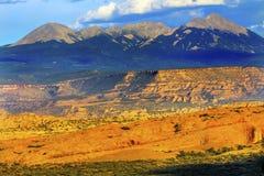 El barranco de la roca de las montañas de Salle del La arquea el parque nacional Moab Utah Foto de archivo libre de regalías