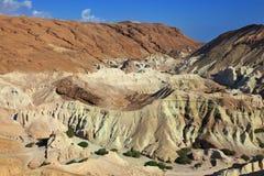 El barranco pintoresco en el desierto rocoso Fotografía de archivo