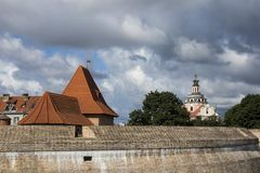 El basti?n de la pared de la ciudad, fortalecimiento del Renacimiento-estilo en Vilna, Lituania foto de archivo