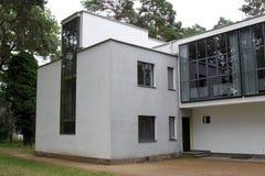 El Bauhaus domina casas en Dessau Imágenes de archivo libres de regalías