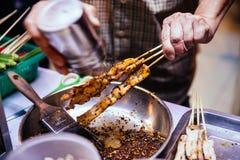 El Bbq de Mala Chinese es carne o verdura asada a la parrilla con las especias calientes y picantes chinas Foto de archivo libre de regalías
