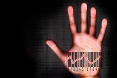 El beeing humano de la mano explorado con el halogram del código de barras imágenes de archivo libres de regalías