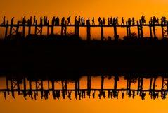 El bein de la teca U del puente del espejo birmania Imagen de archivo libre de regalías