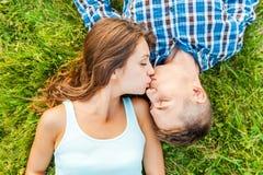 El besarse blando Foto de archivo