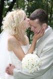 El beso de la boda Foto de archivo libre de regalías
