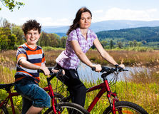 El biking activo de la gente Fotografía de archivo libre de regalías