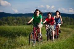 el Biking de la familia Foto de archivo libre de regalías