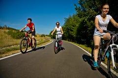 El biking del grupo Imagenes de archivo