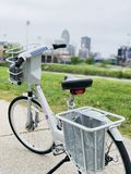 El Biking en la ciudad fotos de archivo