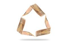 El billete de banco del euro 50 adentro recicla forma del símbolo Fotos de archivo